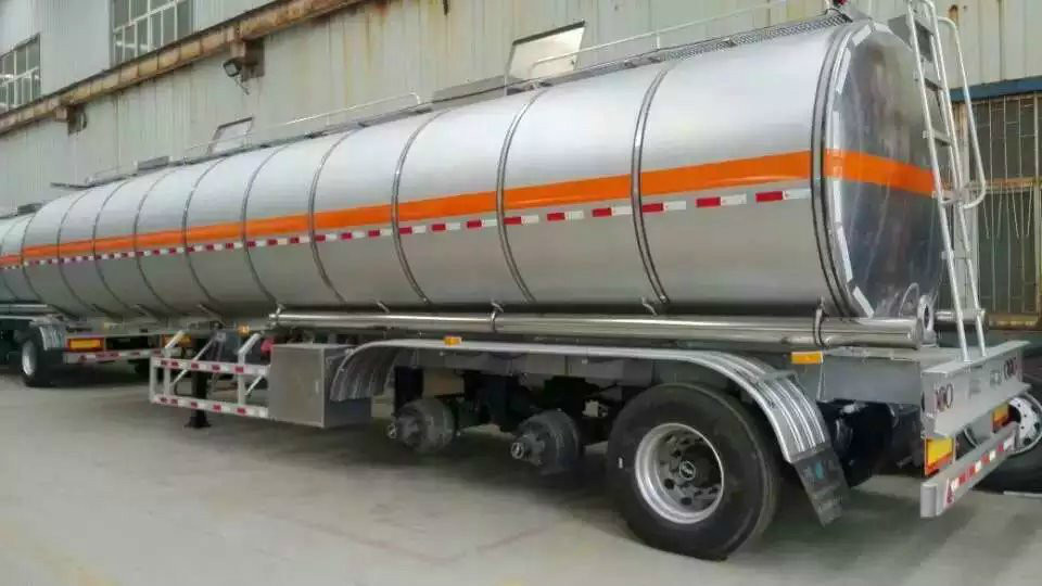 the material of oil tank truck.jpg