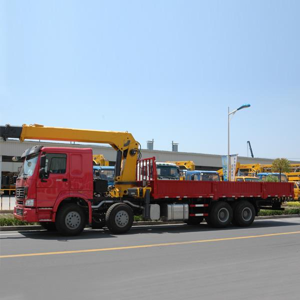 China SINOTRUK HOWO 6X4 Cheap 336HP 10 Wheeler Used and New Crane Mounted Boom Truck