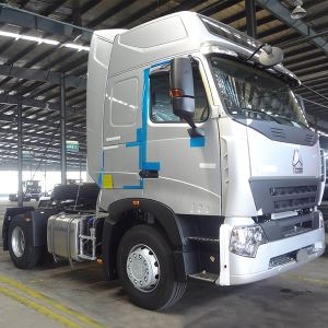 China SINOTRUCK HOWO 4X2 6 Wheeler 336HP Tractor Truck Price